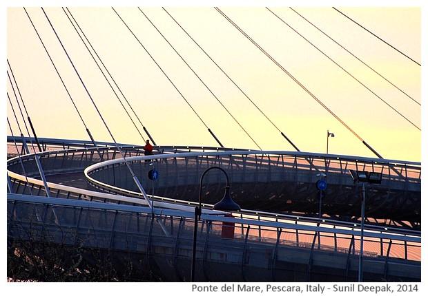 Ponte del Mare, Pescara, Italy - images by Sunil Deepak, 2014