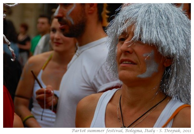 People in silver costumes - Partot Bologna, 2011 - images by S. Deepak