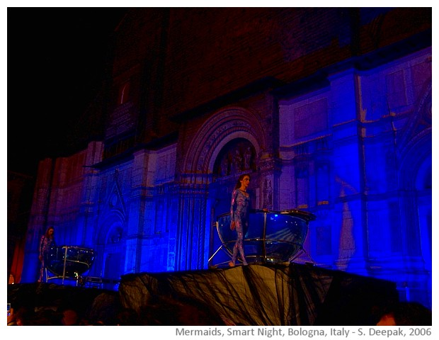 SMART night, Bologna, Italy - images by Sunil Deepak, 2006