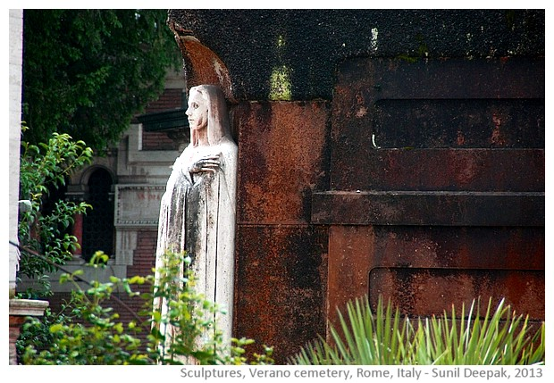 Women's sculptures in white, Verano cemetery, Rome, Italy - images by Sunil Deepak, 2013