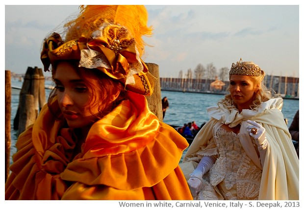 Women in white costumes, Venice carnival, Italy - images by Sunil Deepak, 2013