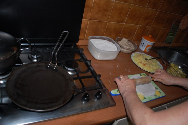 Aloo ka paratha - focacce indiane ripiene di patate