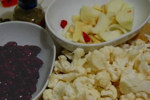 Cauliflower & Kidney beans soup - S. Deepak, 2011