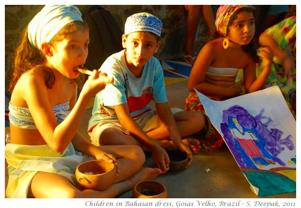 Goias Velho, school children in Bahia dress - images by S. Deepak