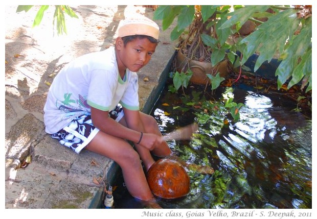Children learning music, Goias Velho, Brazil - S. Deepak, 2011