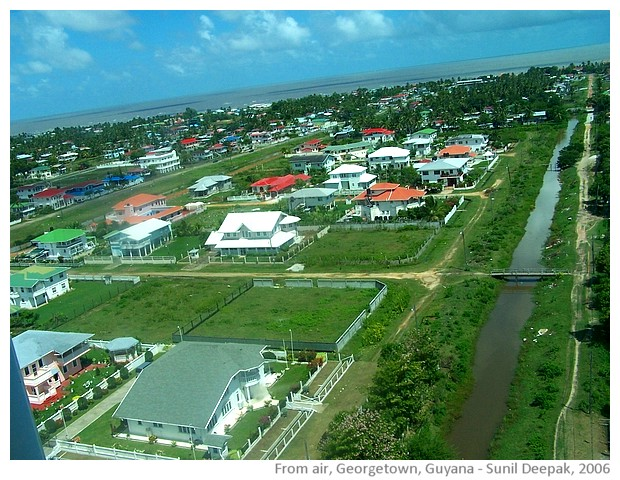 Network of canals in Guyana - images by Sunil Deepak, 2006