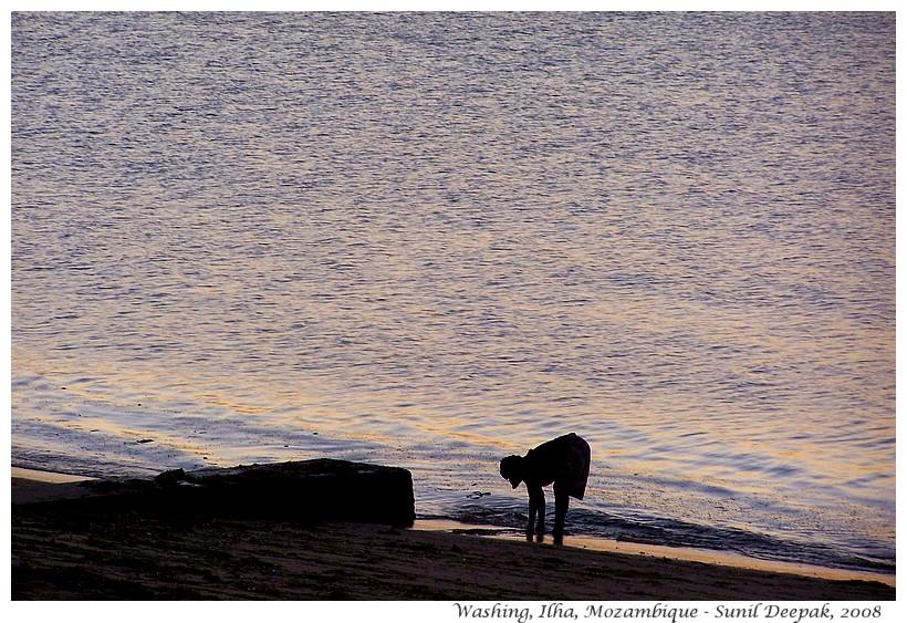 Woman washing, Ilha, Mozmabique, Africa - Images by Sunil Deepak