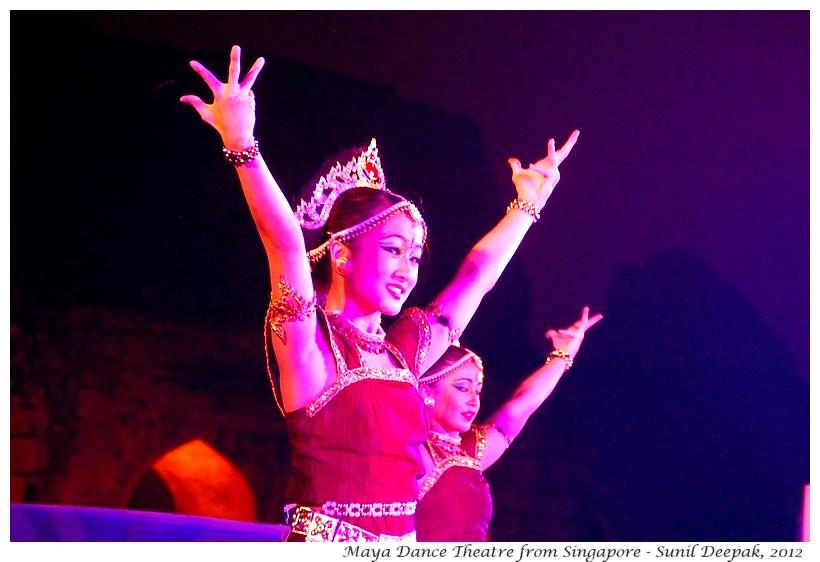 Dance by Maya Dance Theatre in Delhi, India - Images by Sunil Deepak