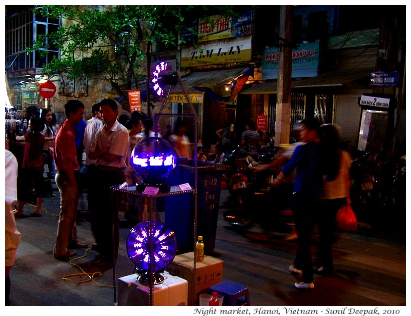 Night markets, Hanoi, Vietnam - Images by Sunil Deepak