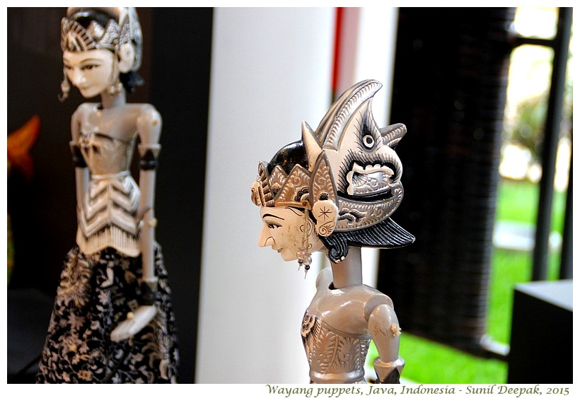 Black & white wayang puppets from Java Indonesia at Expo 2015 in Milan - Images by Sunil Deepak