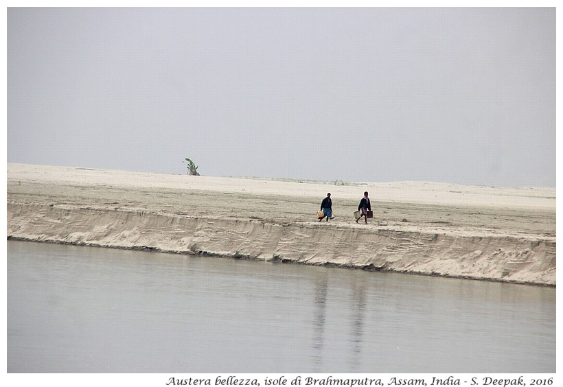 Austera bellezza delle isole di Brahmaputra, Assam India - Images by Sunil Deepak
