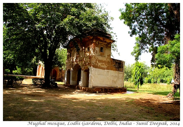 Jorbagh Metro Station walks - Lodhi garden, Safdarjung tomb - Images by Sunil Deepak
