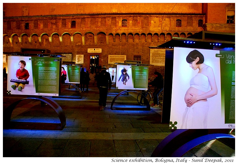 Mother & baby, Science exhibition, Bologna, Italy - Image by Sunil Deepak