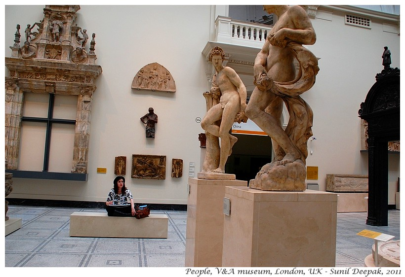 Museum lovers, V&A museum, London, UK - Images by Sunil Deepak