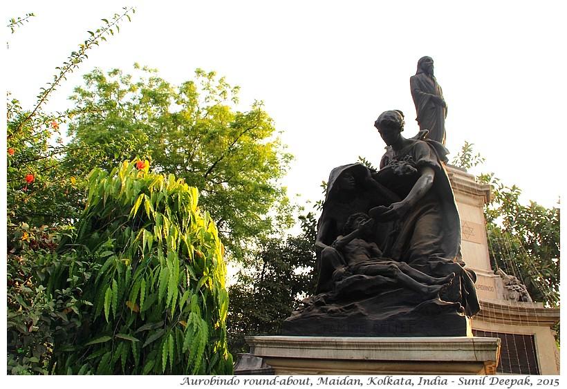 Statues, Maidan, Kolkata, India - Images by Sunil Deepak