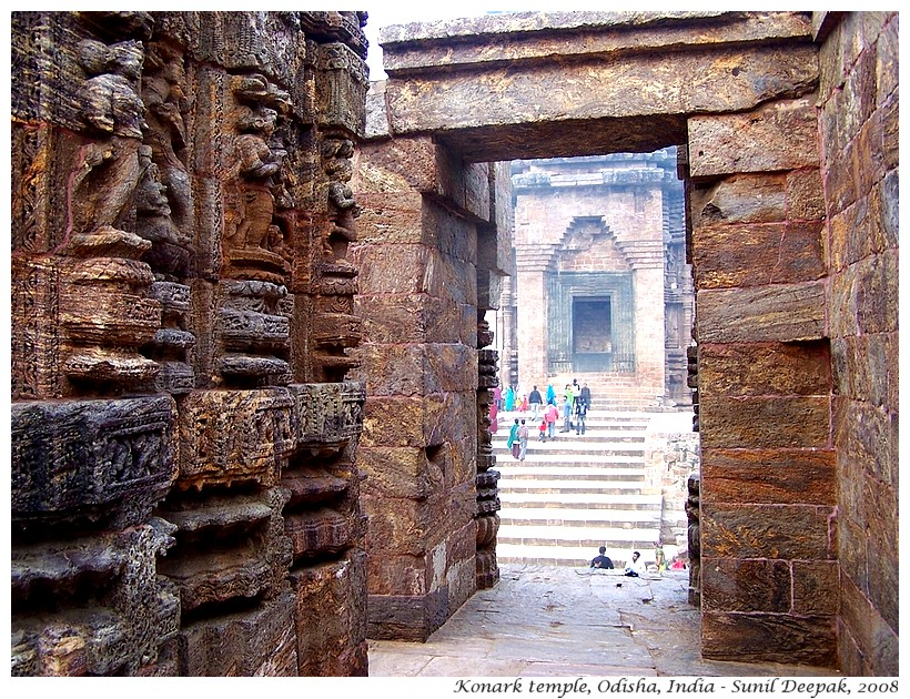 Morning at Konark temple, Odisha, India - Images by Sunil Deepak