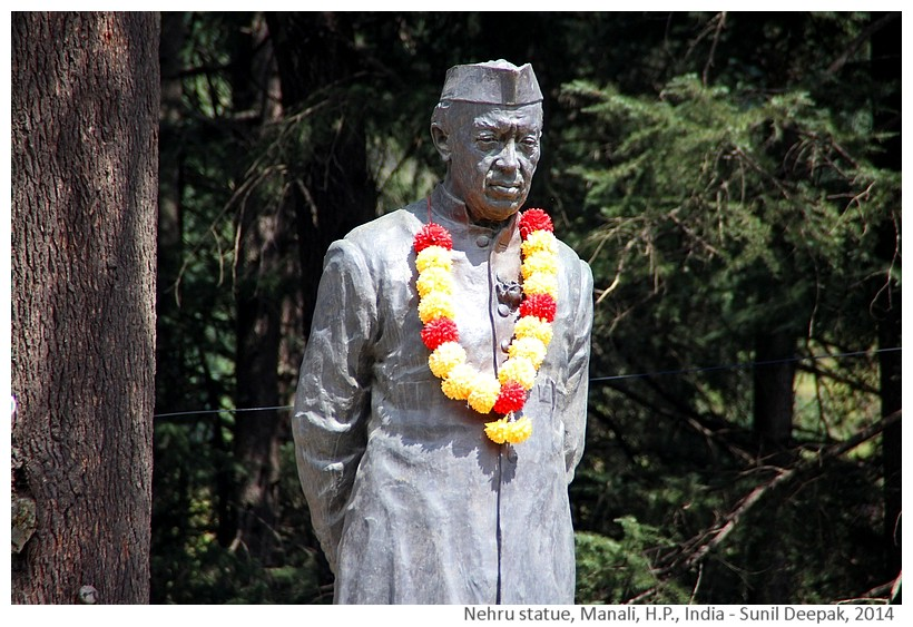 Jawaharlal Nehru statue, Manali, Himachal Pradesh, India - Images by Sunil Deepak, 2014