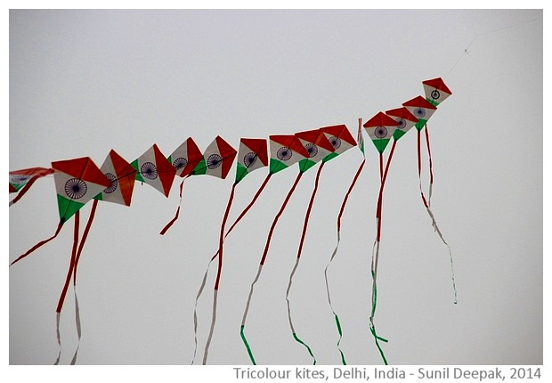 Tricolour kites, Dilli Haat, Delhi, India - images by Sunil Deepak, 2014