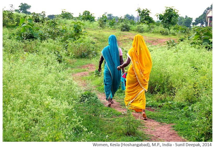 Village women, Kesla Hoshangabad dist, M.P., India - Images by Sunil Deepak, 2014