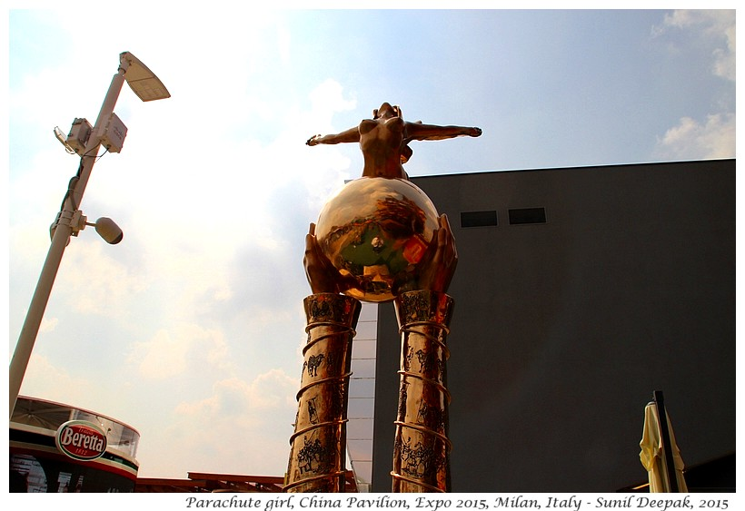 Sculpture, China pavilion, Expo 2015, Milan, Italy - Images by Sunil Deepak