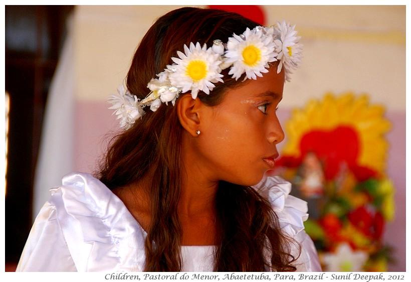 Children in dance costumes, Abaetetuba, Brazil - Images by Sunil Deepak