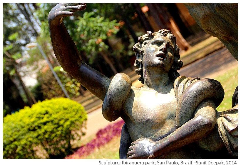 Snake sculpture, Ibirapuera park, San Paulo, Brazil - Images by Sunil Deepak, 2014