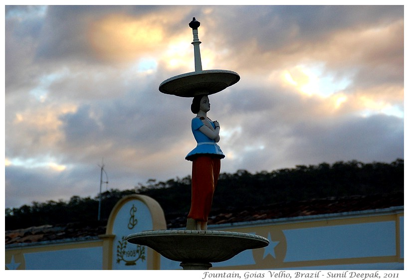 Around the World in 30 beautiful Fountains - Goias Velho, Brazil - Images by Sunil Deepak