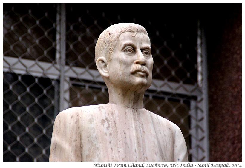 Munshi Prem Chand statue, Lucknow, India - Sunil Deepak, 2010
