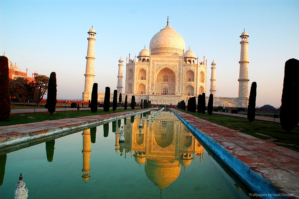 essays on taj mahal in india Taj mahal is an amazing specimen of architectural art it was built by shah jahan after the death of mumtaz mahal, shah jahan had decided to build taj mahal in her loving memory it is a white marvel mausoleum.